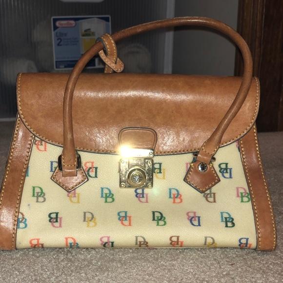 Dooney & Bourke Handbags - Small Dooney & Bourke purse